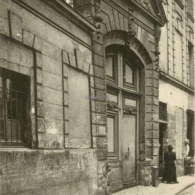 24 - Rue Saint-Julien-le-Pauvre