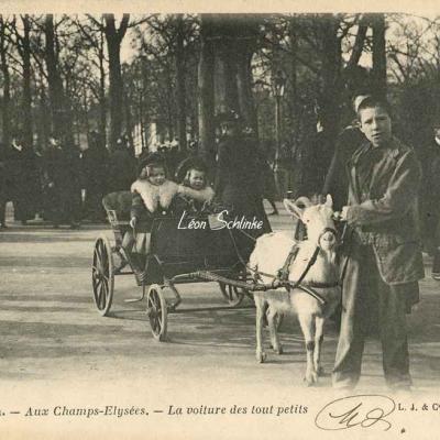 25 - Aux Champs-Elysées - La voiture des tout petits
