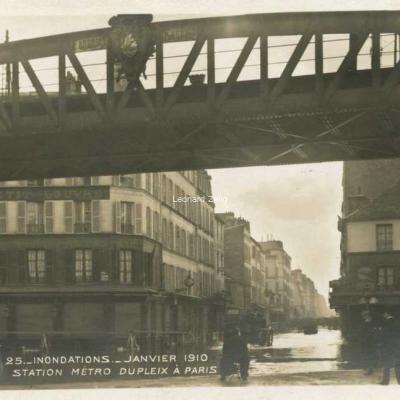 25 - Station Métro Dupleix à Paris