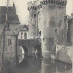 28- Chartres - Porte Guillaume (CH.Foucault 17)