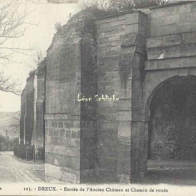28- Dreux - Entrée de l'Ancien Château (Ch.Foucault 125)