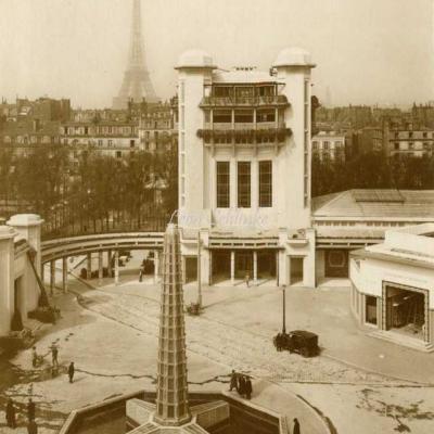 28 - Fontazine Lalique