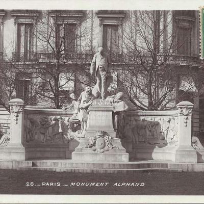 28 - Monument Alphand