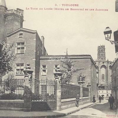 3 - La Tour du Lycée (Hôtel de Bernuys)