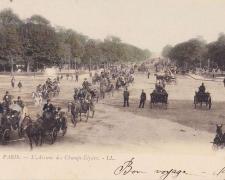 3 - PARIS - L'Avenue des Champs-Elysées