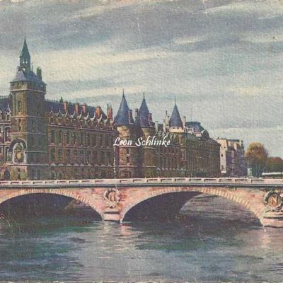 32 - Le Palais de Justice et le Pont au Change