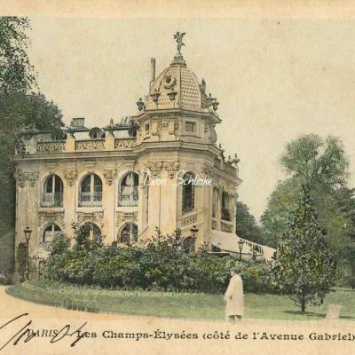 33 - Les Champs-Elysées (côté de l'Avenue Gabriel)