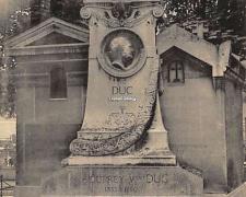 34 - Monument de J.L. Duc, chef-d'oeuvre de sculpture