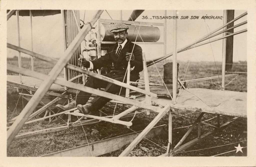 36 - Tissandier sur son Aéroplane