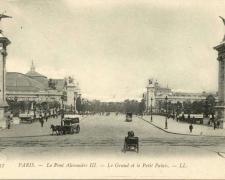 37 - PARIS - Le Pont Alexandre III - Le Grand et le Petit Palais