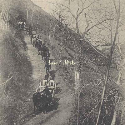 38 - Descente d'un chemin à pente très raide