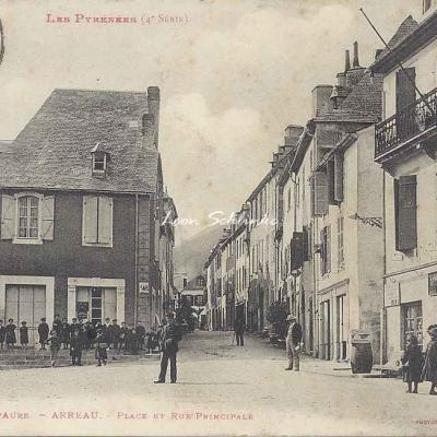 4 - 152 - Vallée d'Aure - Arreau, place et rue principale