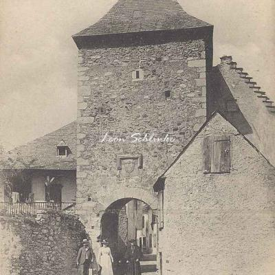 4 - 76 - Sarrancolin - Tour de la Prison