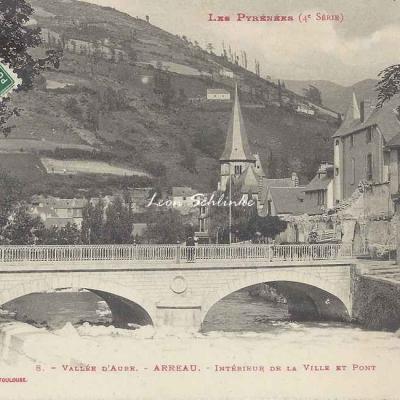 4 - 8 - Vallée d'Aure - Arreau, intérieur de la ville et pont