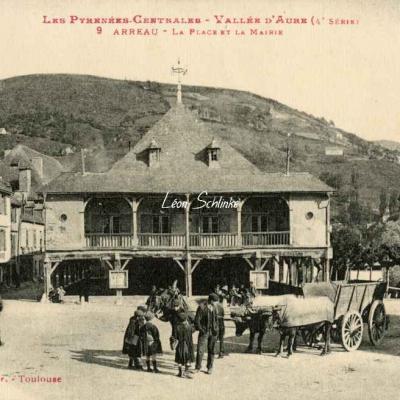 4 - 9 - Arreau - La Place et la Mairie