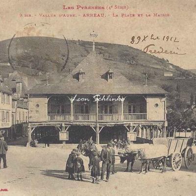 4 - 9bis - Vallée d'Aure - Arreau, la place et la mairie