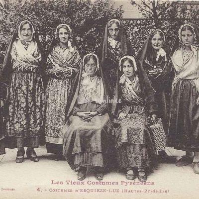 4 - Costumes d'Esquièze-Luz (Hautes-Pyrénées)