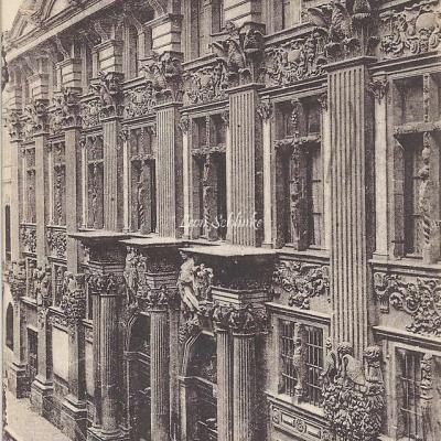 4 - Hôtel de Clary, dit Hôtel de Pierre
