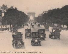4 - PARIS - L'Avenue des Champs-Elysées