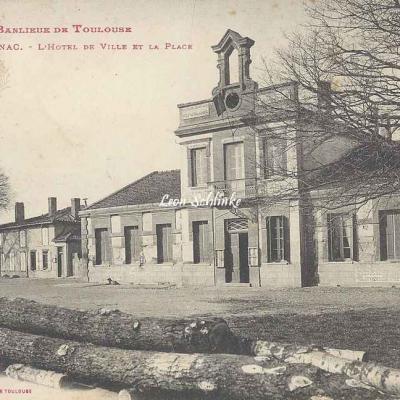 41 - Blagnac - L'Hôtel de Ville et la Place