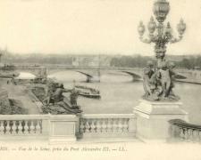 41 - PARIS - Vue de la Seine, prise du Pont Alexandre III