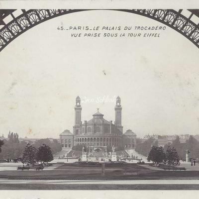45 - Le Palais du Trocadero vue prise sous la Tour Eiffel