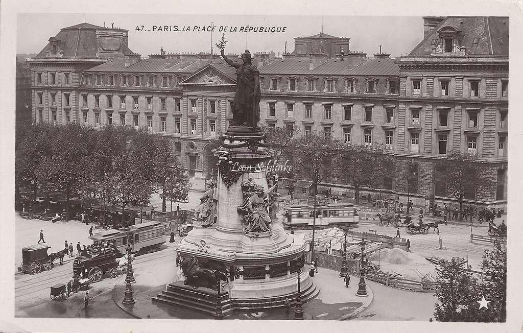 47 - La Place de la République