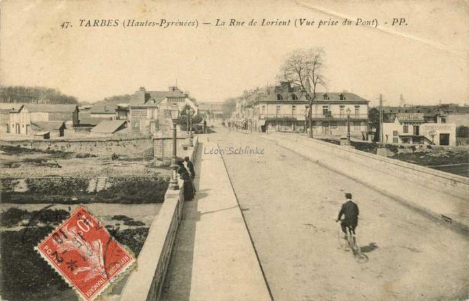47 - La Rue de Lorient (Vue prise du Pont)