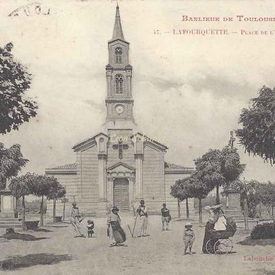 47 - Lafourquette - Place de l'Eglise