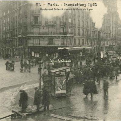 51 - Boulevard Diderot devant la Gare de Lyon