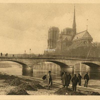 52 - Notre-Dame et le Pont de lArchevêché