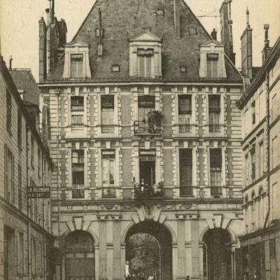 52 - Rue François-Miron,  68