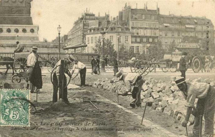 56 - Réfection de Paris -  Le repavage
