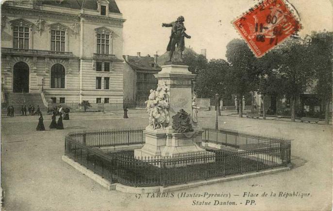 57 - Place de la République, Statue Danton