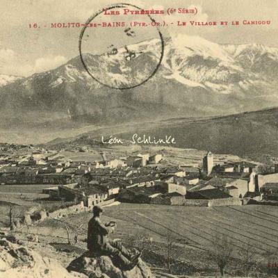 6 - 16 - Molitg les Bains - Le Village et le Canigou