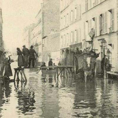 63 - La Rue Rouelle - Un Déménagement