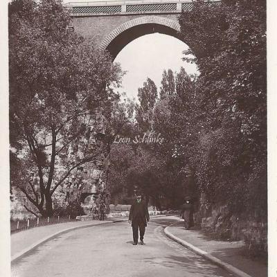65 - Buttes-Chaumont - Le Pont de Briques