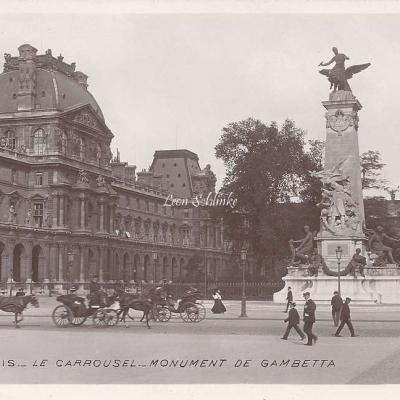 68 - Le Carrousel - Monument de Gambetta