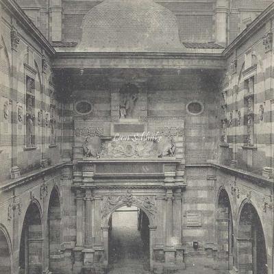 7 - Capitole - Cour Henri IV