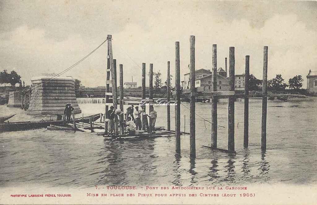 7 - Mise en place des pieux d'appui des cintres (Août 1905)