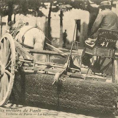 7 - Toilette de Paris - La balayeuse