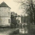 77-La Houssaye - Le Château, les Trois Tours (Monat ed.)