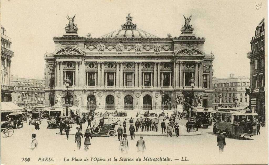 LL 780 (vue 10) - La Place de l'Opéra et la Station du Métropolitain