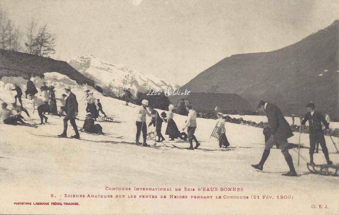8 - Skieurs amateurs sur les pentes le 21 Février 1909