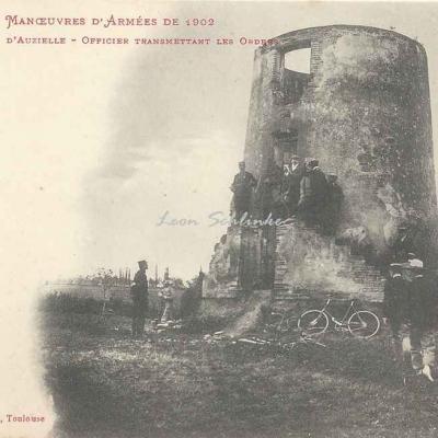 8 - Vieux moulin d'Auzielle - Officier transmettant les ordres