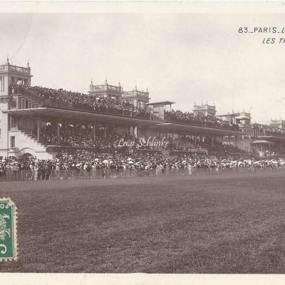 83 - Longchamps - Les Tribunes