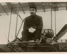 89 - Le Lieutenant Féquant sur son Aéroplane