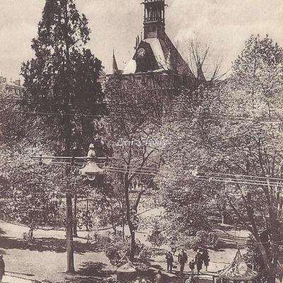 9 - Square et Donjon du Capitole