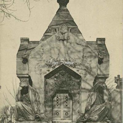 90 - Monument de la Comtesse Salvage de Faverolles par Dubray