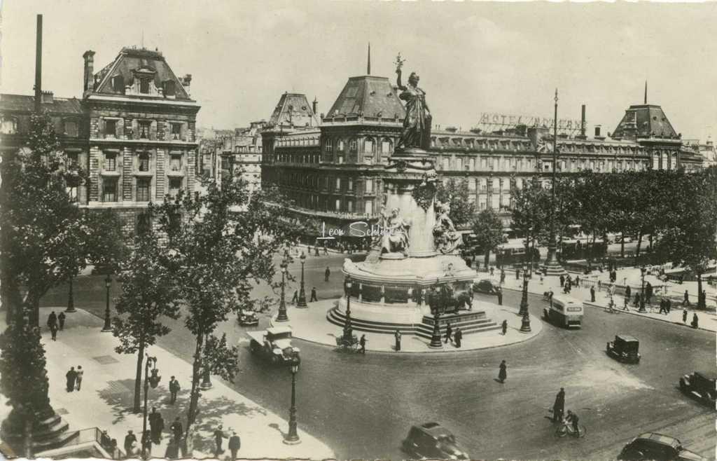 A.C. 37 - PARIS - La Place de la République
